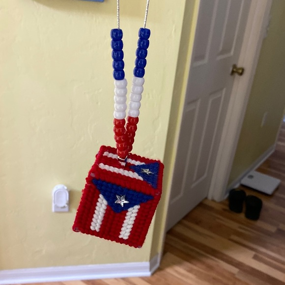 Puerto Rican flag Cube for car